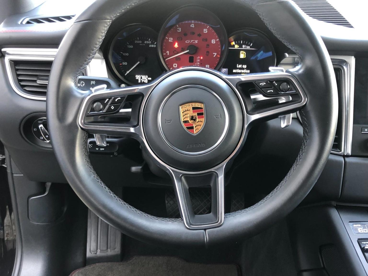 Porsche-Macan-5