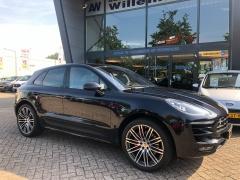 Porsche-Macan-12